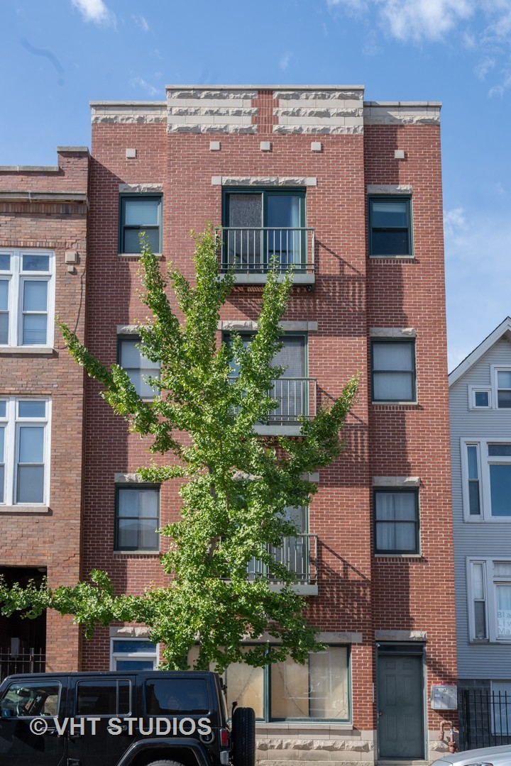 Photo of 3240 N Sheffield Avenue #1, Chicago, IL 60657