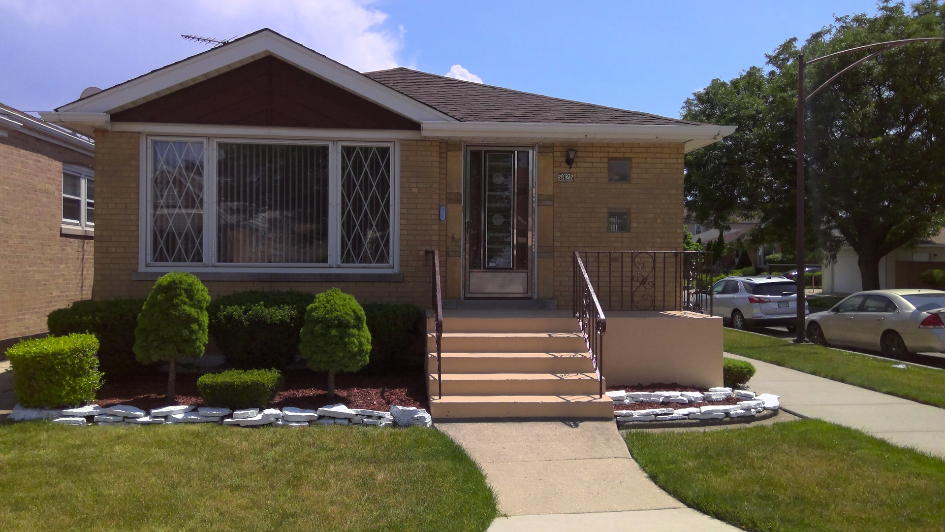 Photo of 5825 W 55th Street, Chicago, IL 60638