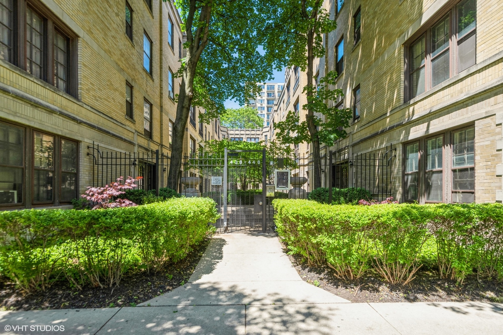 Photo of 442 W SURF Street #2A, Chicago, IL 60657