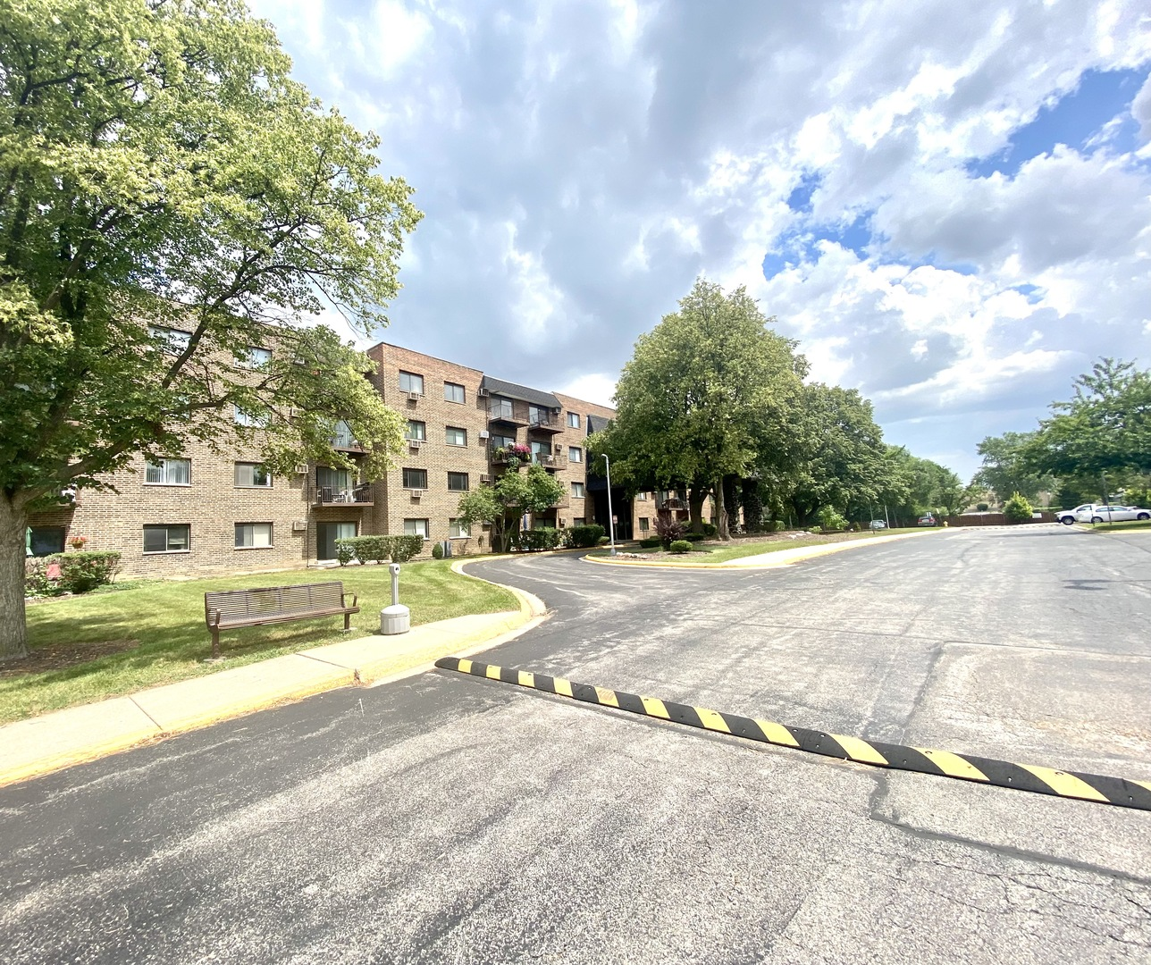 Photo of 239 N Mill Road #217, Addison, IL 60101