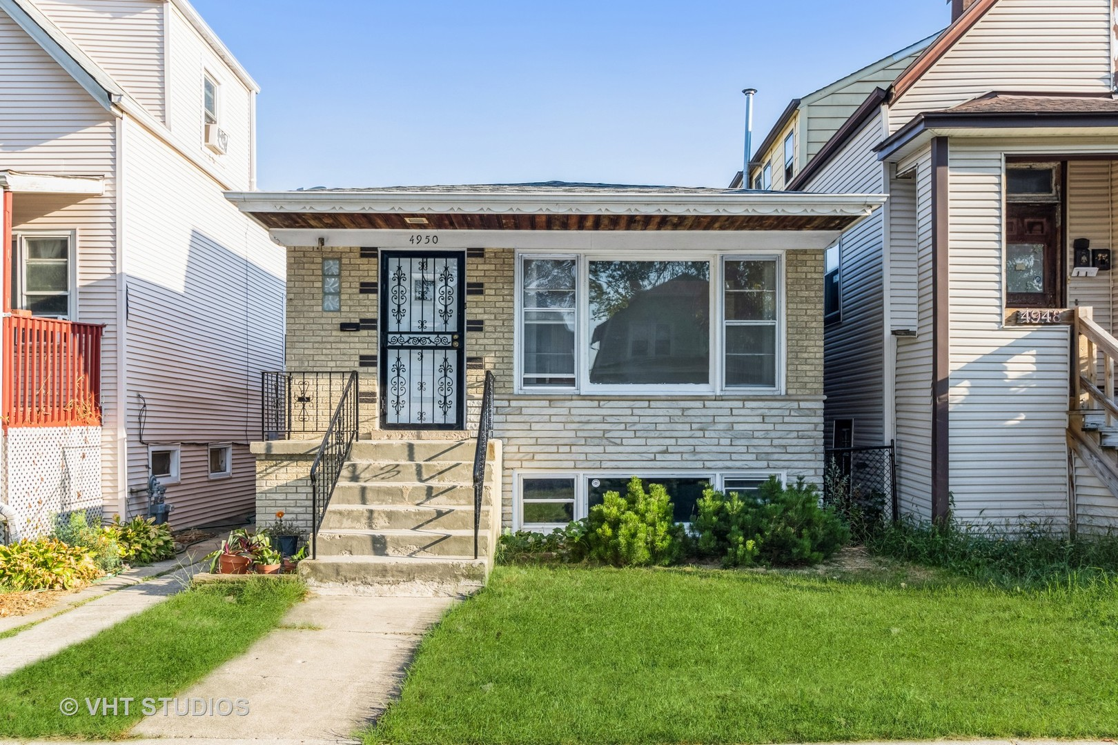 Photo of 4950 W Melrose Street, Chicago, IL 60641