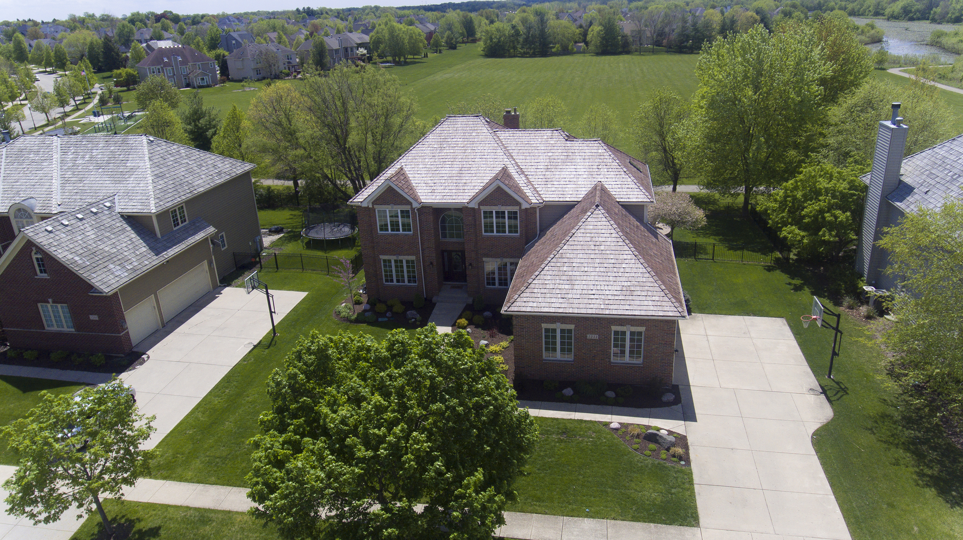 Photo of 1211 Brookside Drive, South Elgin, IL 60177