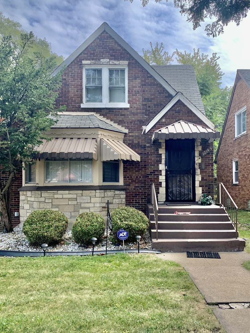 Photo of 12145 S Perry Avenue S, Chicago, IL 60628