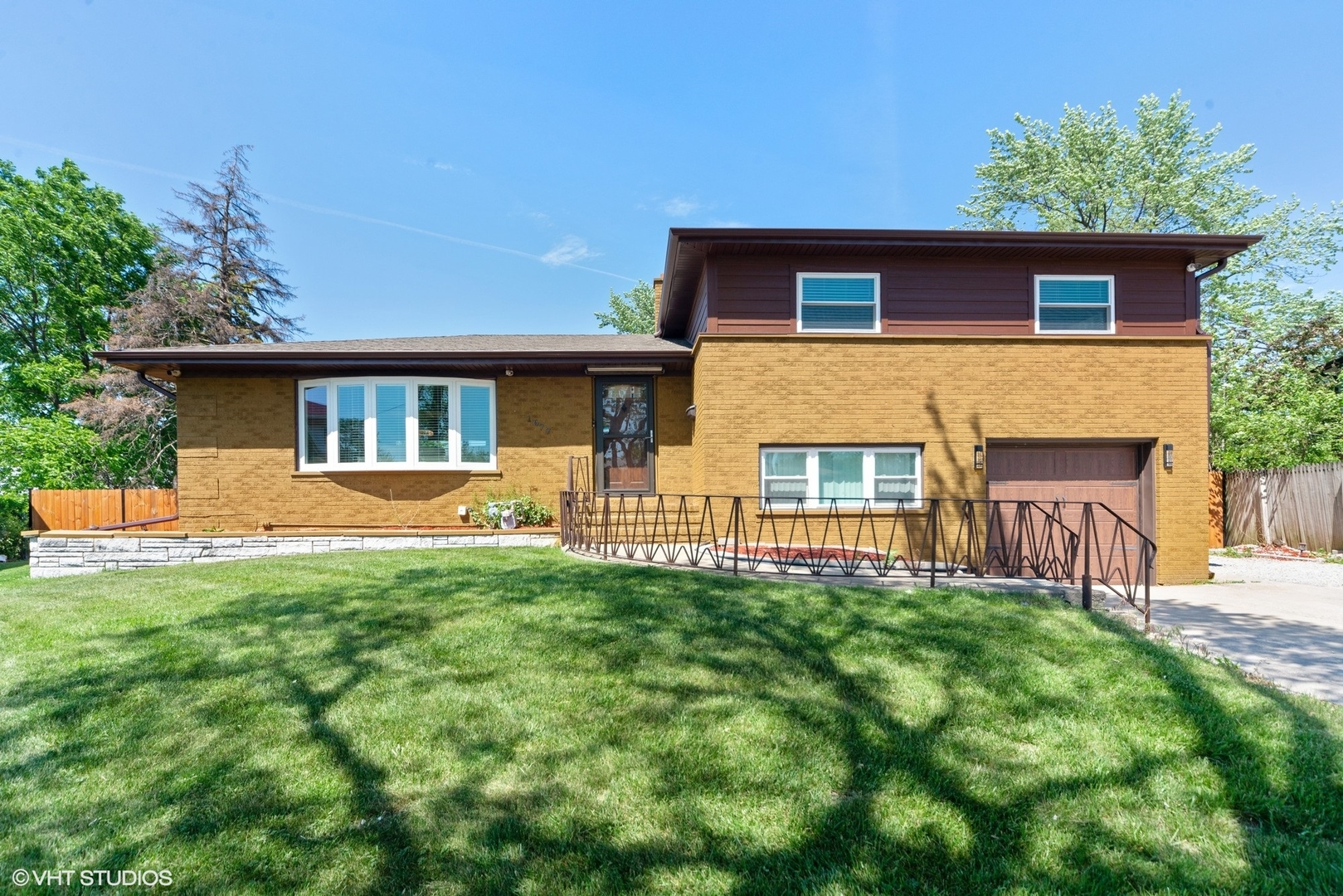 Photo of 1677 Clay Court, Melrose Park, IL 60160