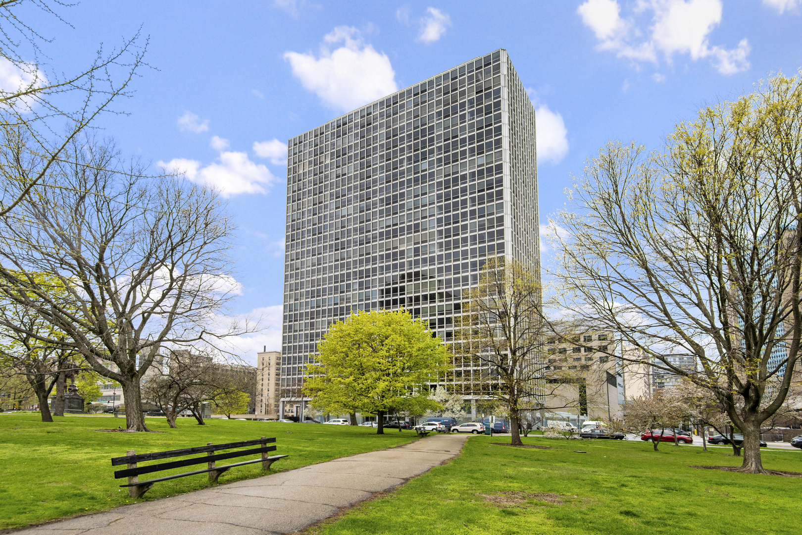 Photo of 330 W Diversey Parkway #704, Chicago, IL 60657