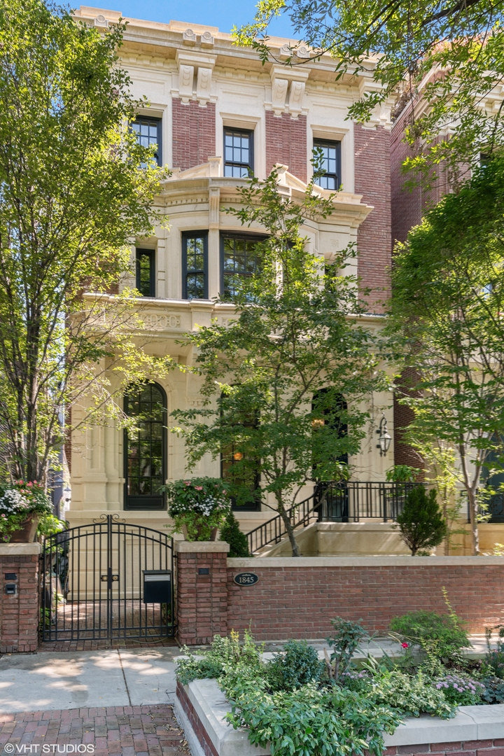 Photo of 1845 N Orchard Street, Chicago, IL 60614