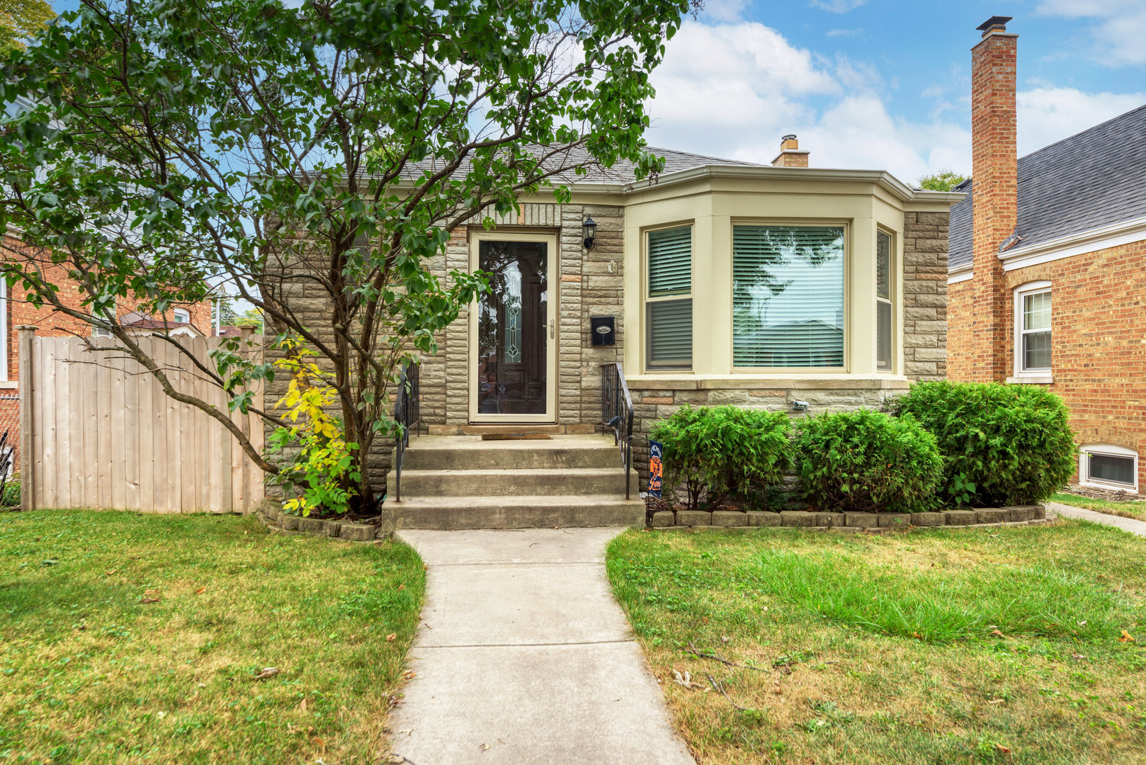 Photo of 10605 S Troy Street, Chicago, IL 60655