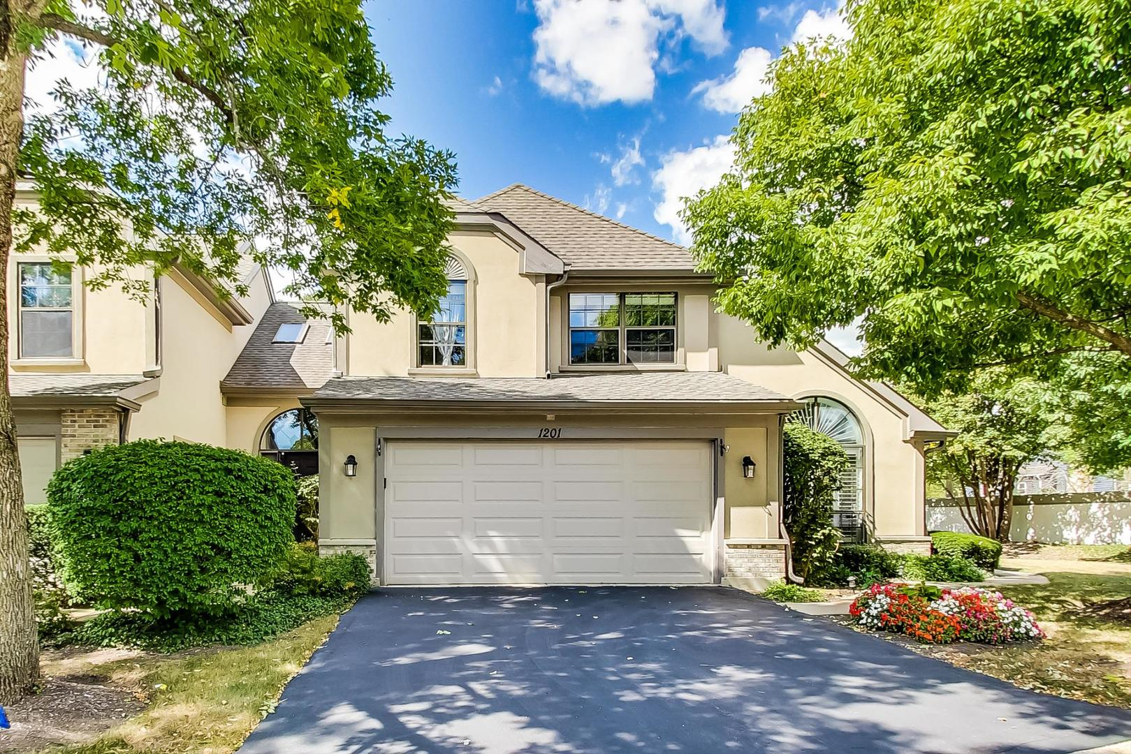 Photo of 1201 Hobson Oaks Drive #1201, Naperville, IL 60540
