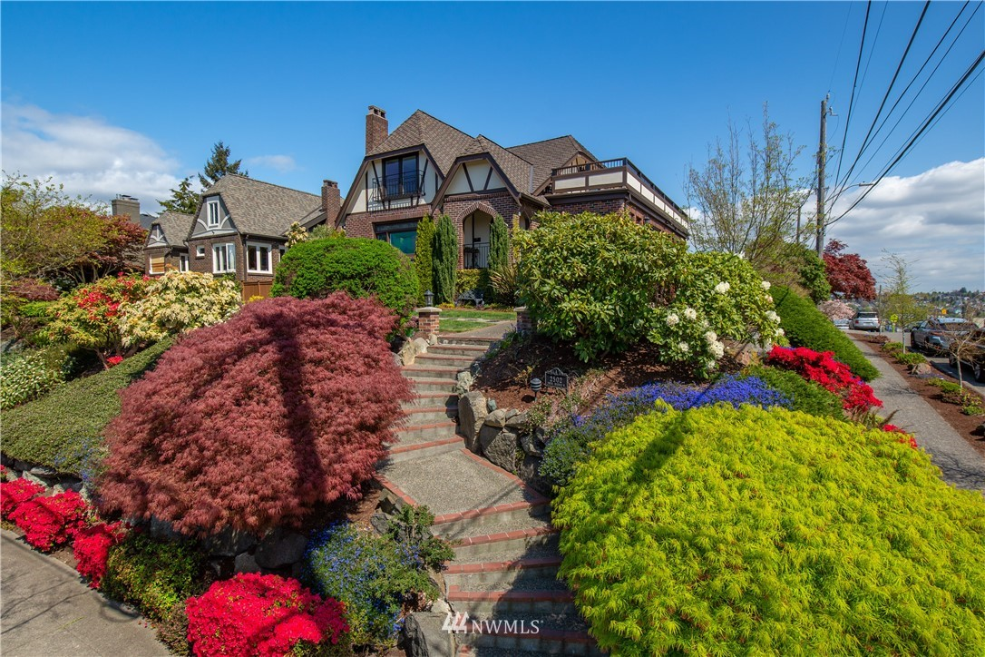 Photo of 2502 28th Avenue W, Seattle, WA 98199, Seattle, WA 98199