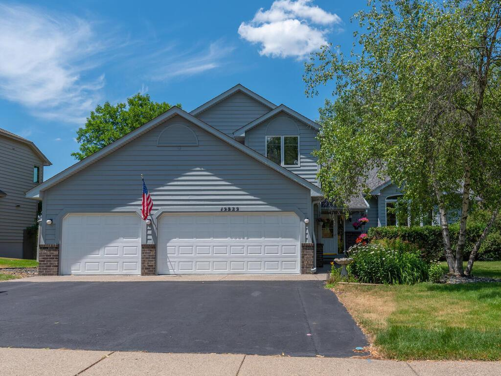 Photo of 15825 Garden View Drive, Apple Valley, MN 55124
