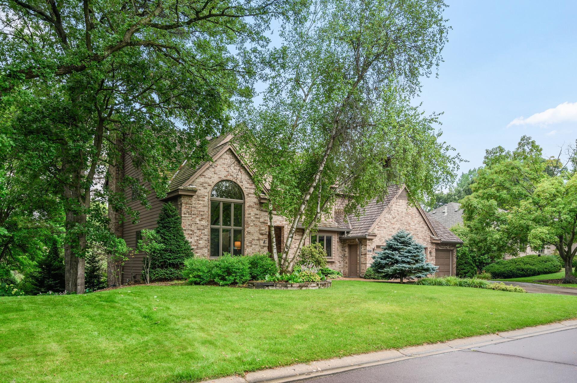 Photo of 4746 137th Street W, Apple Valley, MN 55124